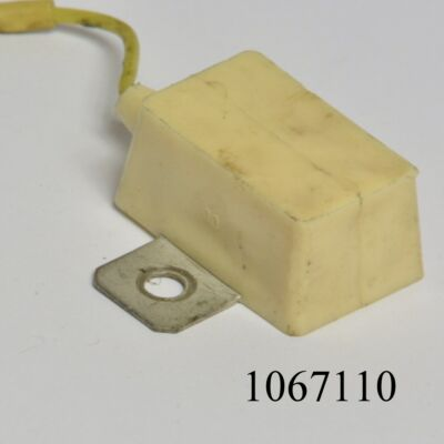 Generátor relé (zavarszűrő kondenzátor) Lada 2105