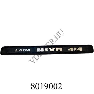 """Embléma-felirat """"LADA NIVA 4x4"""" 1.7 hátsó gy. alátéttel"""
